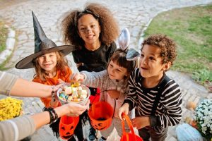 children trick-or-treating